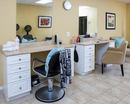 Salon, Barrhaven, Nepean