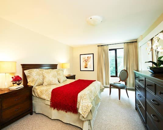 Model Suite, Brookside Court, Richmond Hill