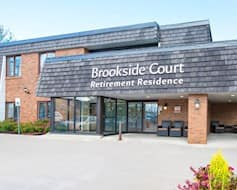 Exterior, Brookside Court, Richmond Hill