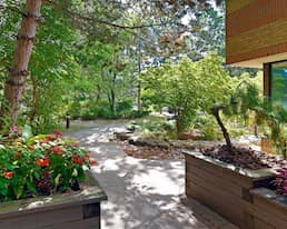 Garden, Donway Place, Toronto