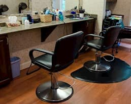 Salon, Parkwood Manor, Coquitlam
