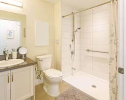Suite Bathroom, Westney Gardens, Ajax